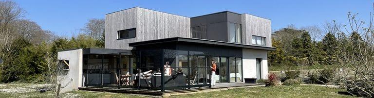 Création d'un espace de vie extérieur autour d'une cuisine d'été